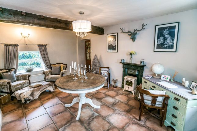 Thumbnail Cottage for sale in Eaton Hill, Eaton, Tarporley