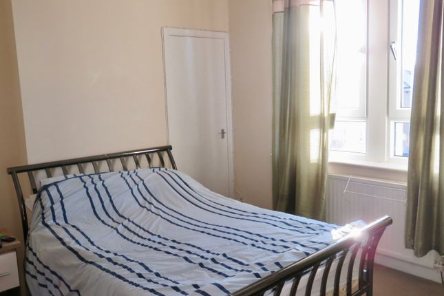 Bedroom of Whinhall Avenue, Airdrie ML6