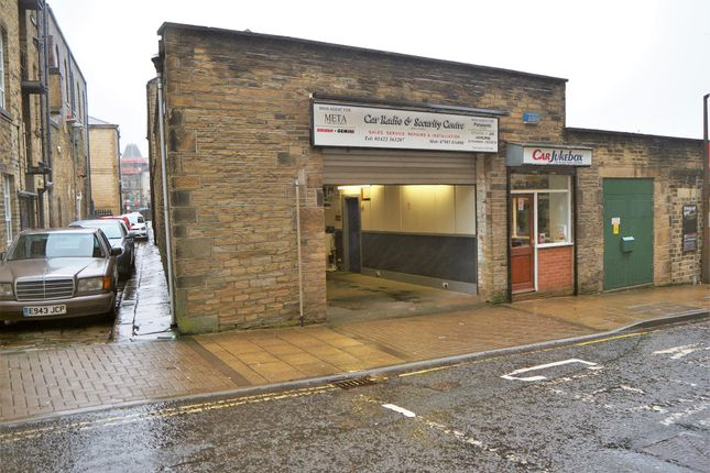 Thumbnail Commercial property for sale in Vacant Unit HX1, West Yorkshire