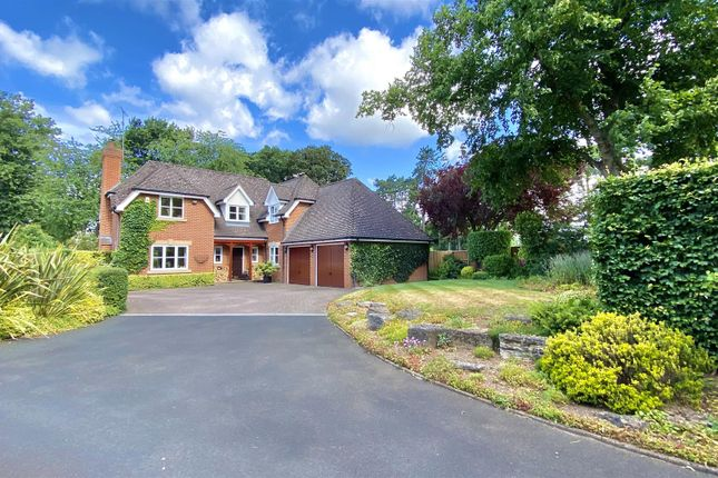 Thumbnail Detached house for sale in Bridge End, Warwick