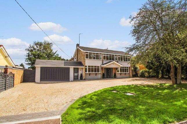 Thumbnail Detached house for sale in Hill Avenue, Wickford