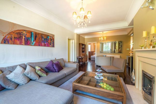 Thumbnail Flat to rent in Albion Street, Hyde Park Estate
