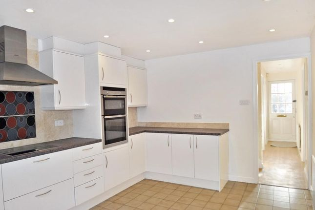 Thumbnail Link-detached house to rent in Fair Close, Bicester