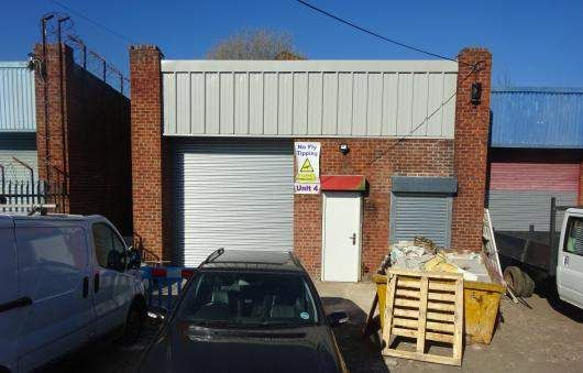 Thumbnail Warehouse to let in Corngreaves Road, Cradley Heath