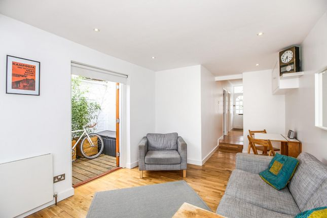 Thumbnail Flat for sale in Petersfield Road, London