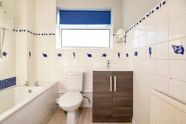 Bathroom of Thatcham, Berkshire RG19