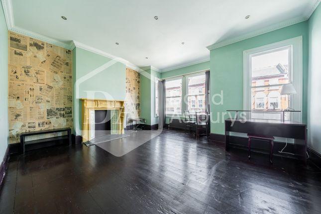 Thumbnail Flat for sale in Myddleton Road, London