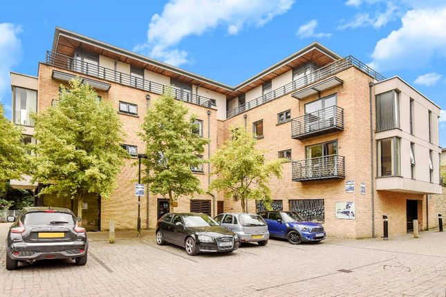 2 bed flat for sale in Empress Court, Oxford, Oxfordshire OX1