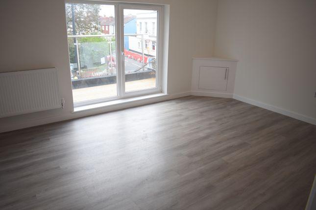 Flat to rent in Albert Road, Southsea