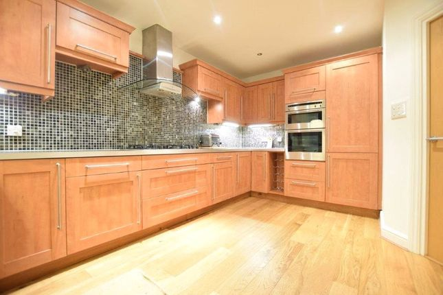 Thumbnail Terraced house to rent in Barkers Meadow, Ascot, Berkshire
