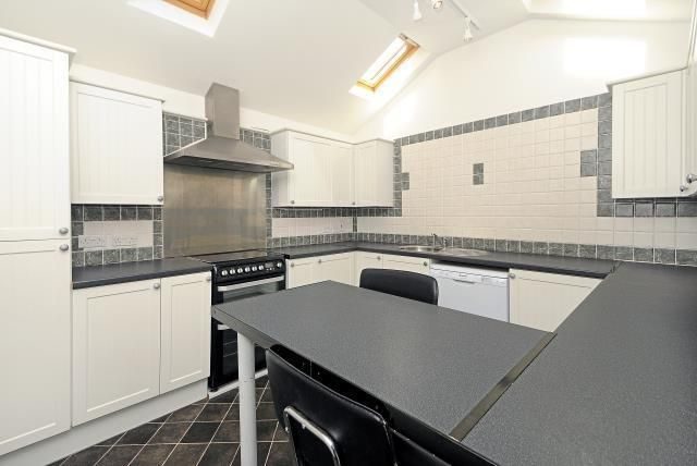 Thumbnail Maisonette to rent in Iffley Road, Oxfordshire