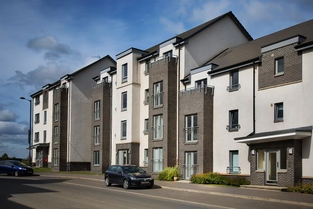 Thumbnail Flat to rent in Crookston Court, Larbert
