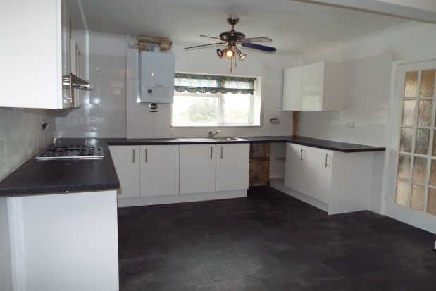 Thumbnail Property to rent in Crouch Road, Chadwell St. Mary, Grays
