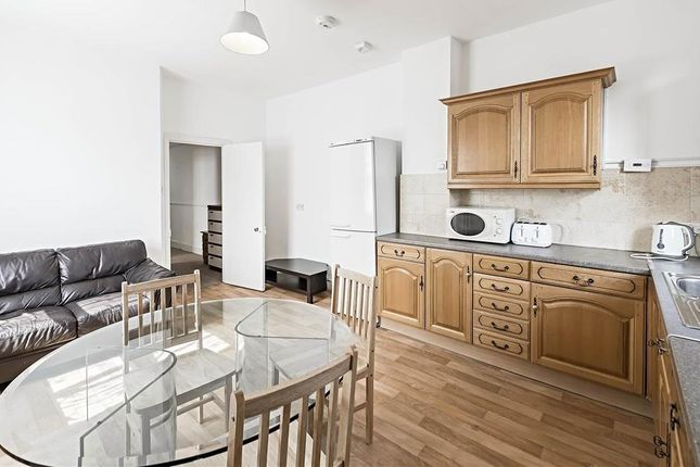 Thumbnail Flat to rent in Temple Road, Ealing, London