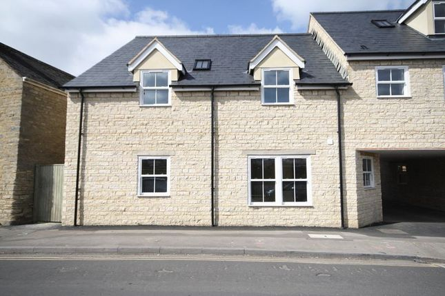 Thumbnail Flat for sale in 5 Jack's Corner, The Crofts, Witney Town Centre