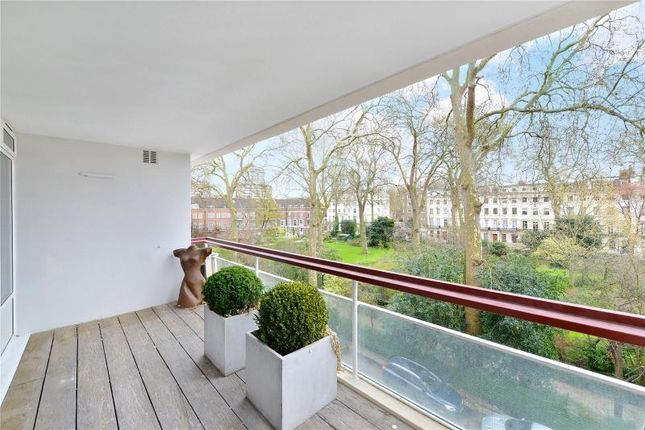 Thumbnail Flat for sale in Gloucester Square, Hyde Park