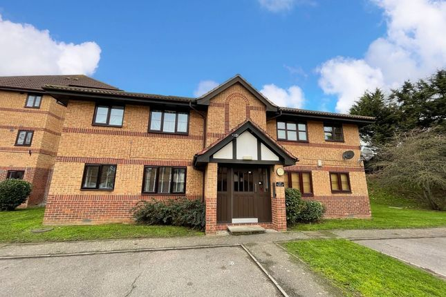 1 bed flat for sale in Frobisher Road, Erith DA8