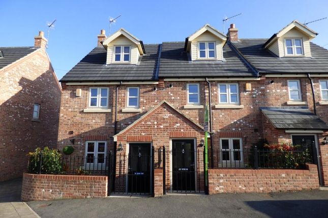 Thumbnail Terraced house to rent in Swithens Street, Rothwell, Leeds