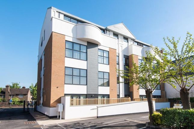 Thumbnail Flat to rent in Lower Richmond Road, Kew, Richmond