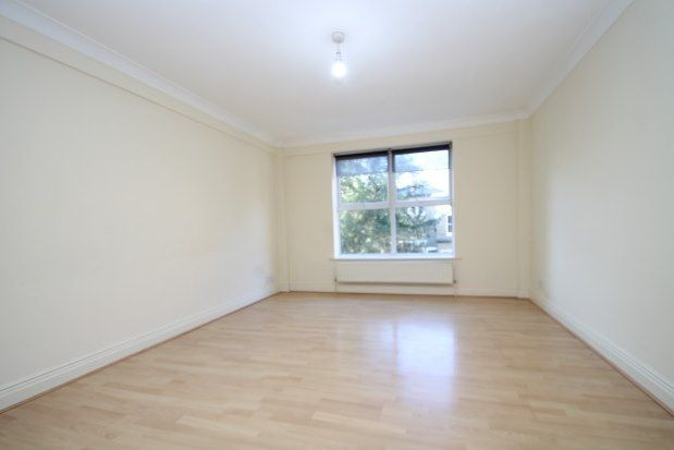 2 bed flat to rent in Ringers Road, Bromley BR1