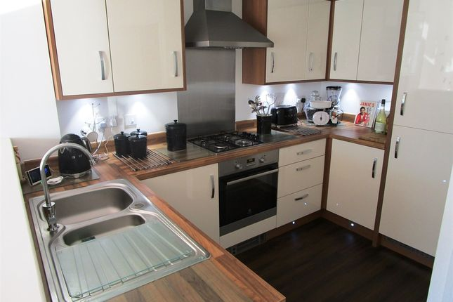 4 bed semi-detached house for sale in Otho Way, North Hykeham, Lincoln