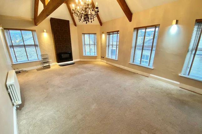 Thumbnail Flat to rent in Southgate, Elland