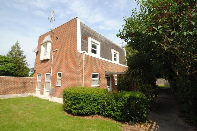 Thumbnail Maisonette for sale in High Street, Hartley Wintney, Hook