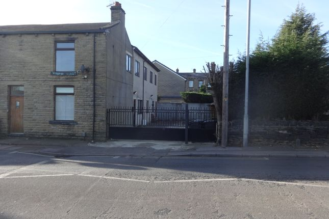 Thumbnail Flat to rent in Knowles Hill Road, Dewsbury