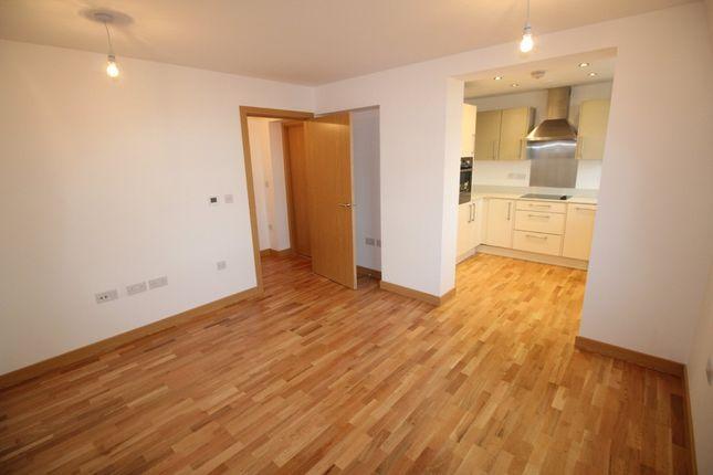 Thumbnail Flat to rent in Howardsgate, Welwyn Garden City
