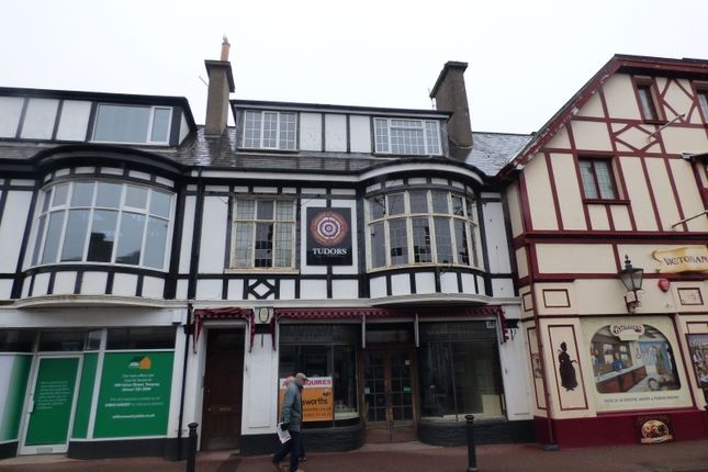 3 bedroom flat to rent in Fore Street, St. Marychurch, Torquay