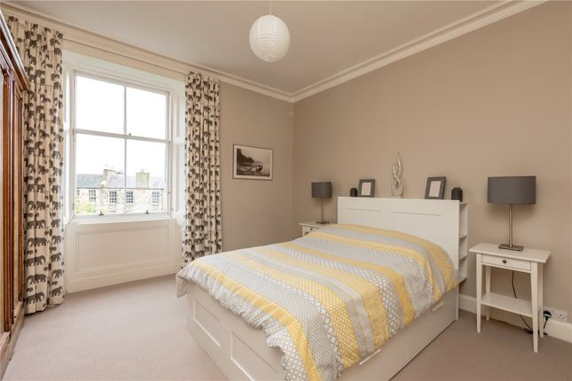 Master Bedroom of 17/7 Bellevue Crescent, New Town, Edinburgh EH3