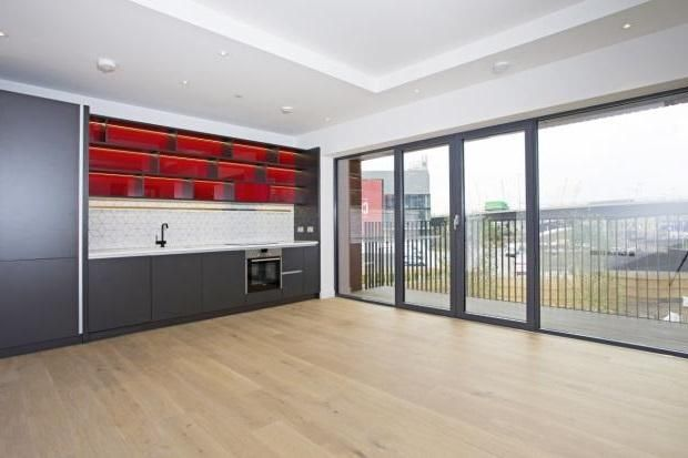 Thumbnail 2 bed flat for sale in Albion House, London City Island, London