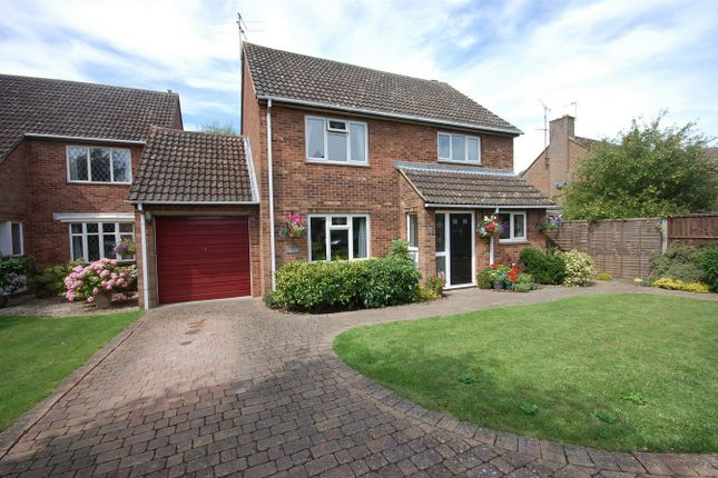 Thumbnail Detached house for sale in Roblin Close, Aylesbury, Buckinghamshire
