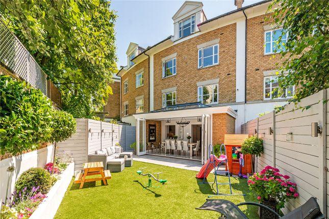 Garden of Thames Crescent, London W4