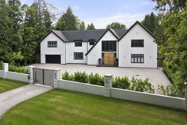 Thumbnail Detached house to rent in Coulsdon Lane, Chipstead, Coulsdon