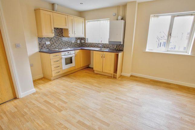 Thumbnail Flat to rent in Wood Street, Warsop, Mansfield