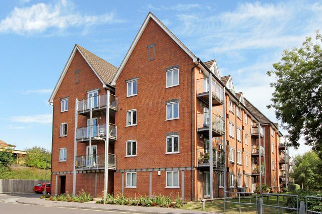 Thumbnail Flat to rent in The Lamports, Alton
