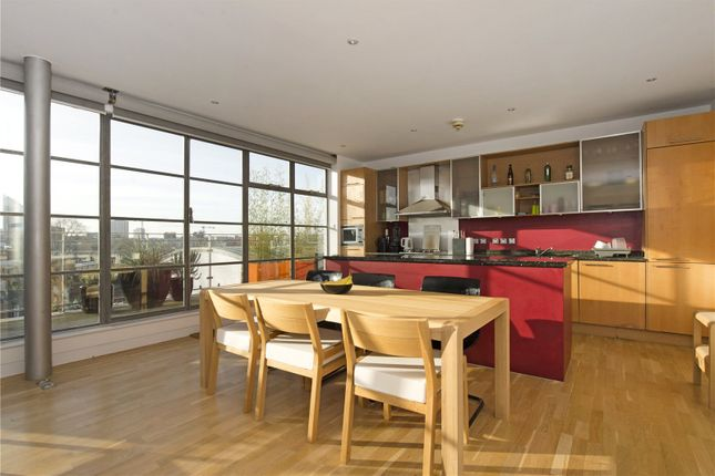2 bed flat to rent in Shepperton Road, Islington, London N1