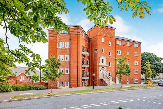 Thumbnail Flat to rent in Scarletts Road, Aldershot
