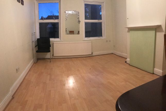 Thumbnail Flat to rent in Deans Brook Road, Edgware