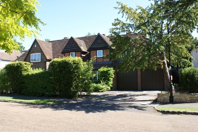 Thumbnail Detached house for sale in Oatlands Close, Weybridge, Surrey