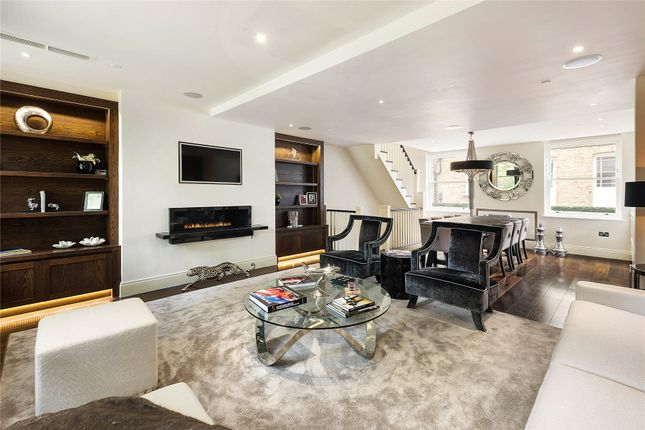 Thumbnail Mews house for sale in Drayson Mews, Kensington, London