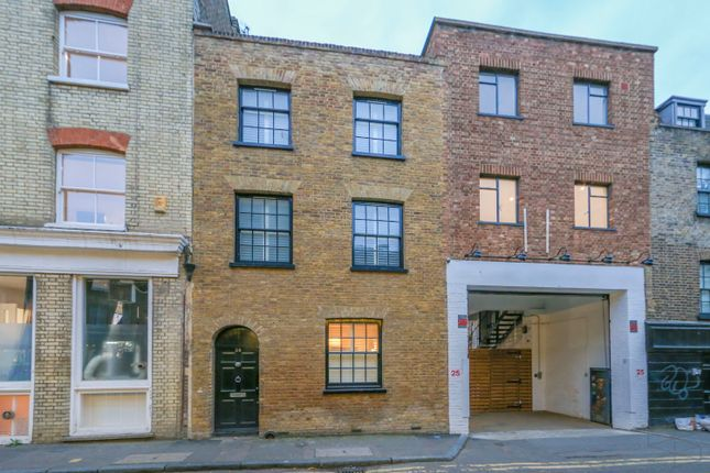 Thumbnail Terraced house to rent in Holywell Row, London