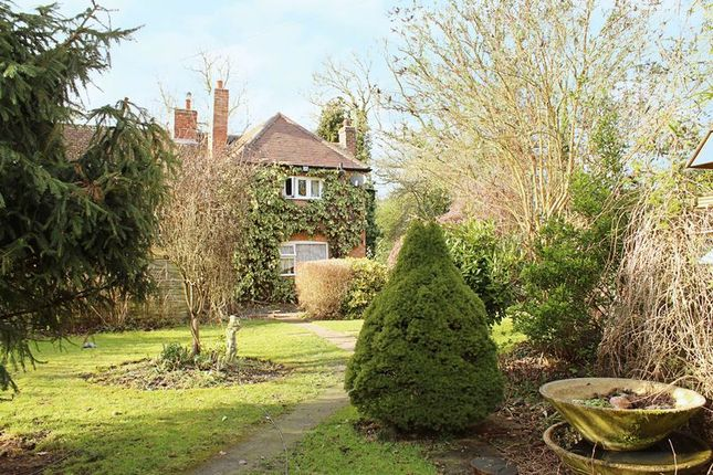 Thumbnail Cottage for sale in Mill Lane, Rowington, Warwick
