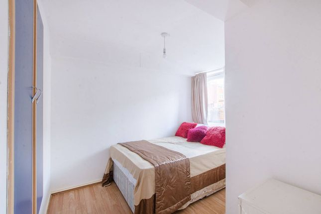1 bed flat to rent in Burchell Road, Peckham (Zone 2) SE15, London,