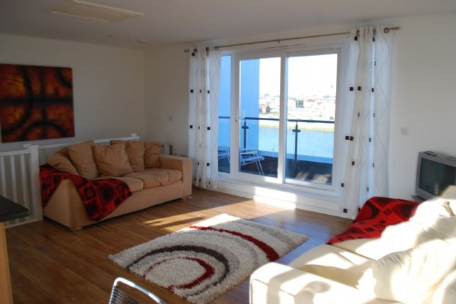 Thumbnail Flat to rent in Penthouse, Pentre Doc Y Gogledd, Llanelli.