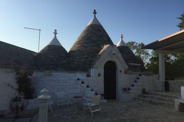 Via Cisternino, Locorotondo, Bari, Puglia, Italy
