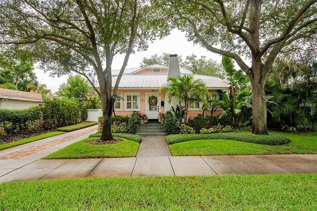 Thumbnail Bungalow for sale in 904 South Bruce Street, Tampa, Florida, United States Of America
