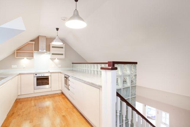 2 bed flat to rent in Transcend, St Leonards Road, Windsor, Berkshire