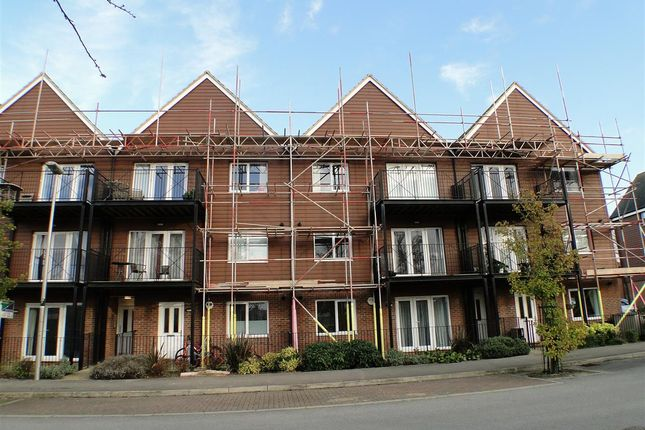 Thumbnail Flat to rent in Greensand View, Woburn Sands, Milton Keynes